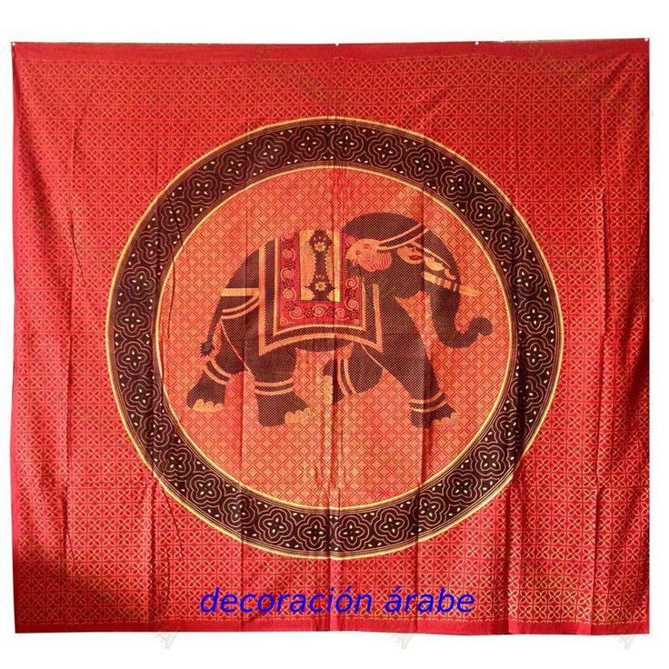 Preciosa colcha india de manufactura artesanal, color étnico. Hecha en algodón, ideal para colcha en una cama doble, funda de sofá, o para poner com decoración india en la pared. Lavar en frio.  Medidas: 240 cm x 22 cm.