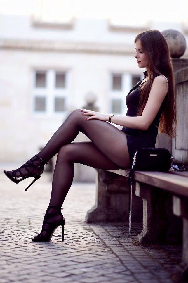 daughter-pussy-legs-high-heels-pantyhose