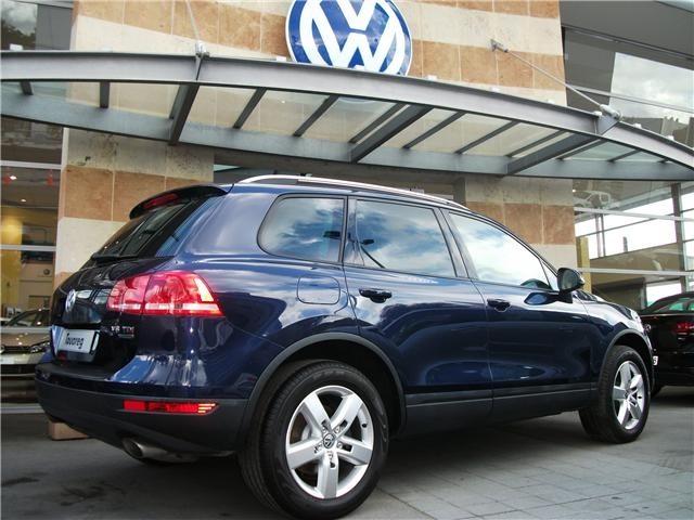A 2012 Volkswagen Touareg 3.0 V6 TDI 180KW 8SPD. Love that colour. 'Night Blue'. #vw #volkswagen #touareg