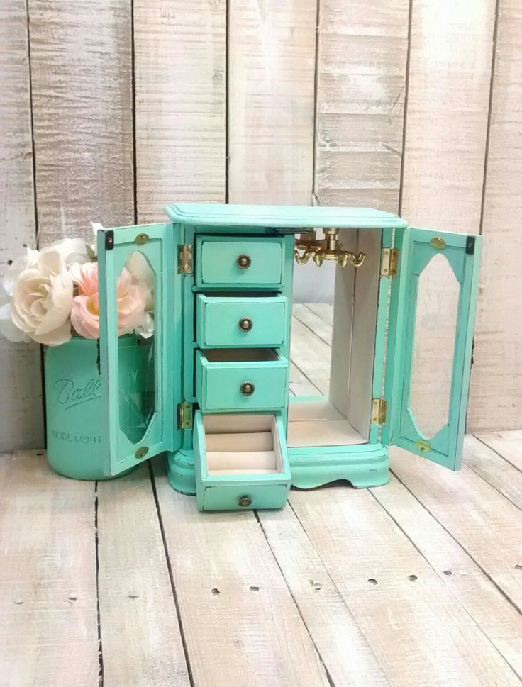 Shabby Chic Vintage Jewelry Box Painted Mint Green and Distressed by ClassyKassie on Etsy https://www.etsy.com/listing/511347005/shabby-chic-vintage-jewelry-box-painted