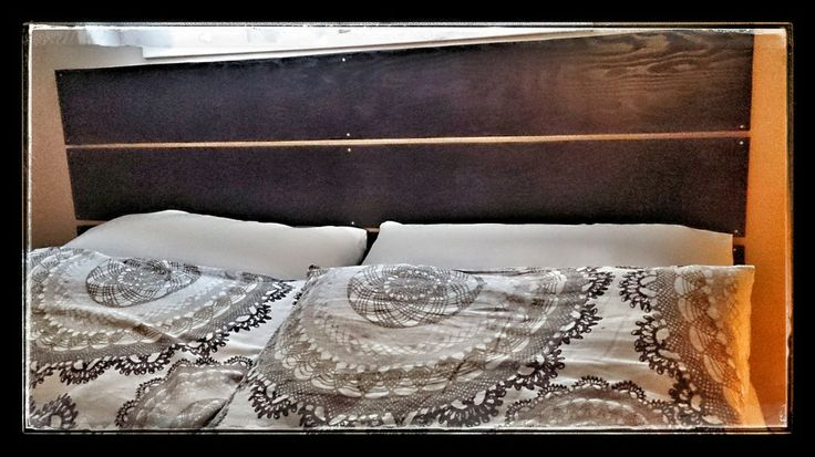 how to, bedroom, diy, headboard, home decor, recycle, stain, thrifty, thursday, wood