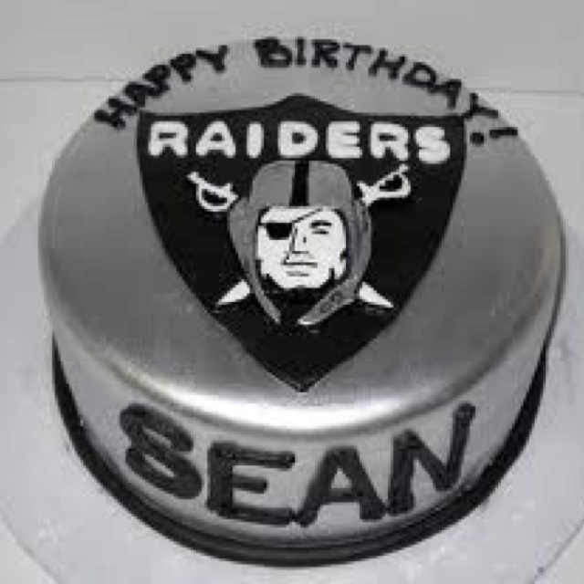 Raiders Cake Decor : Gonna try and pull off this Raiders cake for Vics birthday ...