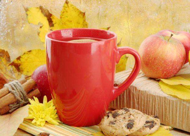 Mocno rozgrzewające jesienne herbaty
