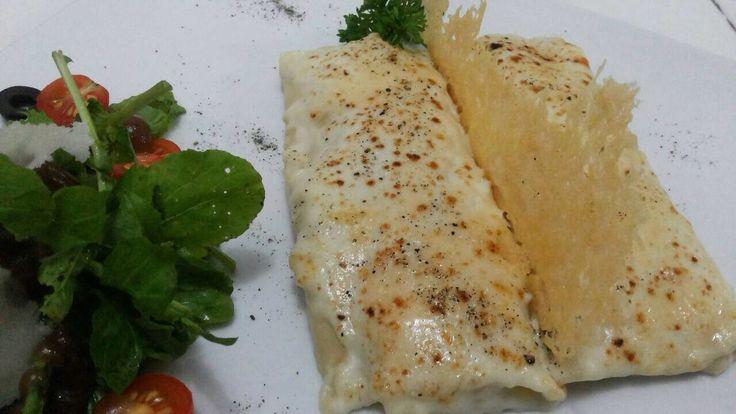 Canelon de pollo encebollado al curry @ Six Senses Spanish Resto