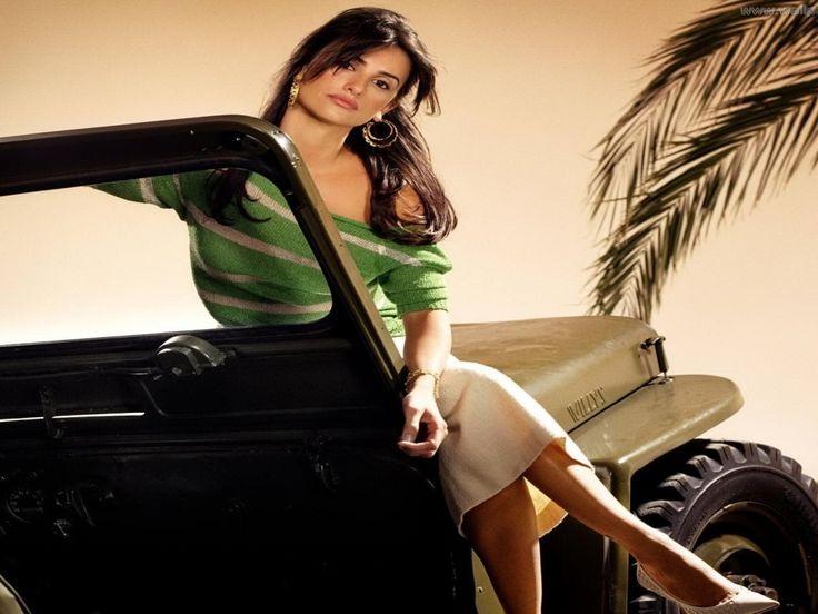 Penelope Cruz - Pictures on your Mobile: http://wallpapic.com/celebrities/penelope-cruz/wallpaper-8472