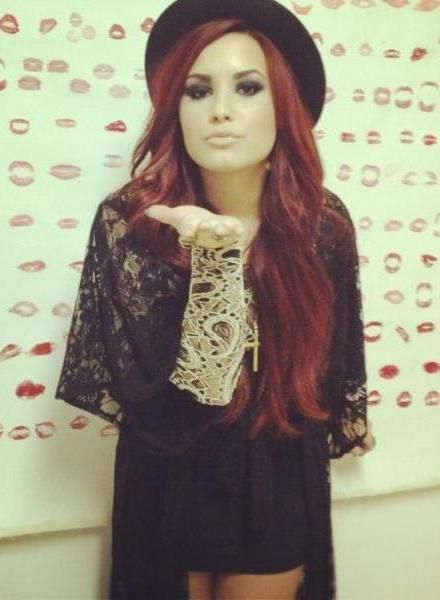 Loooooove her hair.Fashion, Inspiration, Red Hair, Celeb, Style Icons, New Hair Colors, Demi Lovato, People, Kisses