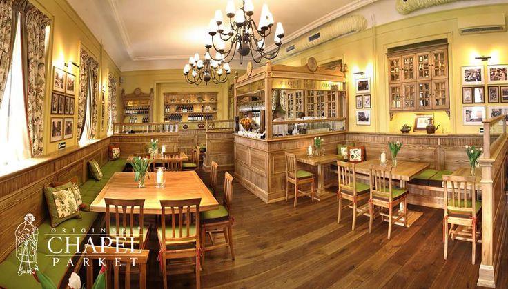 Restauracja Dawne Smaki w Warszawie.   Chapel Parket, kolor 17-wieczny.