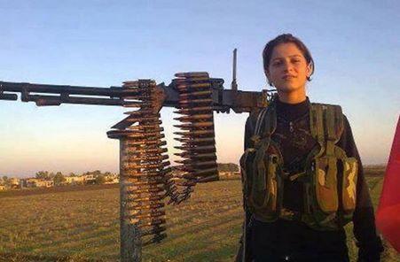 Magdi Cristiano Allam Fb    Le giovani #donne curde sono le protagoniste di un eroismo che entrerà nella Storia. Stanno combattendo fino all'estremo sacrificio della vita contro i #terroristi #islamici dell'#Isis. La Storia le ricorderà per il coraggio con cui donano la propria vita per salvare i valori fondanti della nostra civiltà.