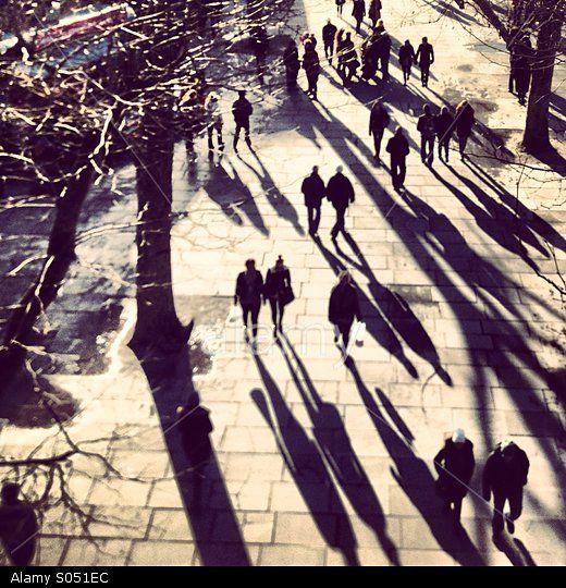 Strolling on the Southbank, London © Lottie Hope / Stockimo / Stockimo / Alamy