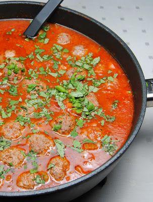 ChocoLanas matblogg: Kjøttboller i tomatsaus. Markoansk kjøttgryte. Spiste det med quinoa. Ikke en favoritt hos barna