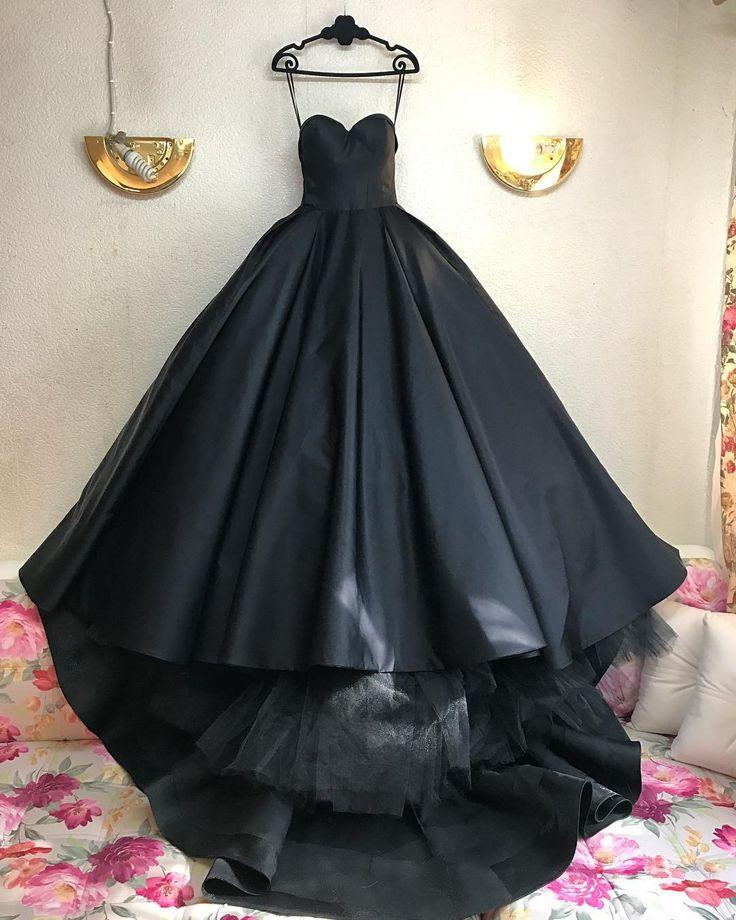 Платье для принцессы , настоящая классика . Модный дом MalyarovaOlga #malyarovaolga #malyarovaolgadress #fashion #couturefashion #fashionweek #назаказ #пошив #пошивназаказ #платья #платье #платьемечта #платьеневесты #couture #couturedress #dress #dreams #dresses