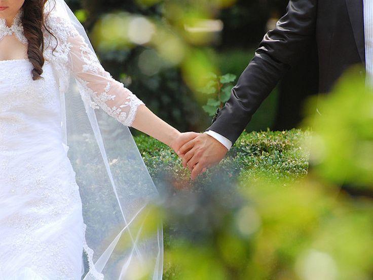 Девушке, у которой есть реальные отношения с любимым парнем, после приснившейся свадьбы лофф предсказывает исполнение желаний.
