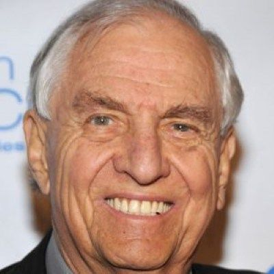 """Garry Marshall, Creator of 'Happy Days,' Dies at 81 Fandom Fare – Entertainment News Garry Marshall, who created some of the 1970s' most iconic sitcoms including """"Happy Days,"""" """"The Odd Co…"""
