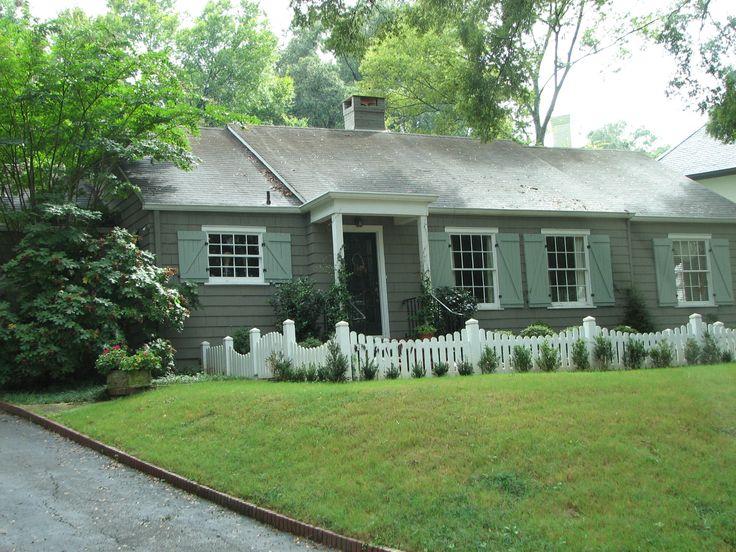 fenceColors Combos, Pets Fence, Cottages Ideas, Fence Pets, Exterior Colors, House Colors, Mathis Interiors, Holly Mathis, Birmingham House