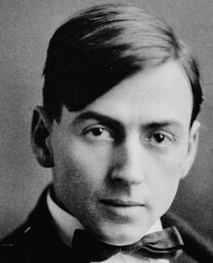 Tom Thomson, Canadian landscape painter, was born August 5, 1877 and died under mysterious circumstances July 8, 1917 (aged 39) while painting and canoeing at Canoe Lake, Algonquin Park, Ontario. While not an official member of the Group of Seven, his close association with the other members was cut short by his tragic, mysterious, and premature death