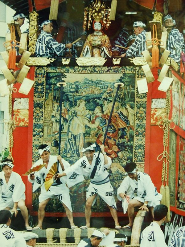 """the Float (hoko in Japanese) called kankoboko is decorated with a flanders tapestry(Rebecca and Eliezer at the Well ). The parade of floats held at annual traditional festival """"Gion matsuri"""" in Kyoto."""