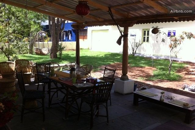 Dining area outside with free wifi