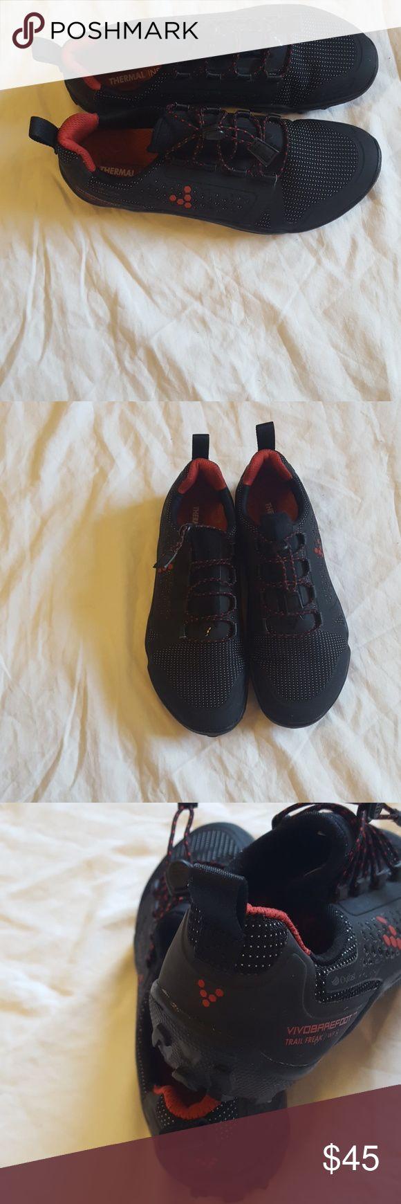 VIVOBRREFOOT TENIS SOHES  WOMEN  SIZE  37L EUR VIVOBRREFOOT TERMAL INSOLE IN LIKE NEW CONDITION Vivo barefoot Shoes