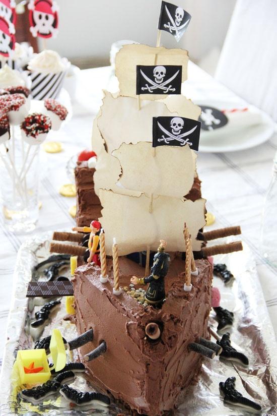 Pirate-chocolatecake-ship! Sommerlyst.no