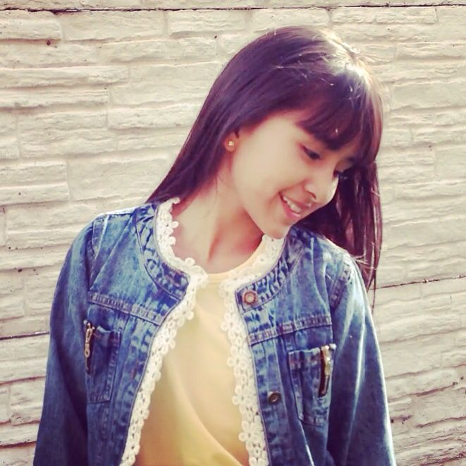 Denim jacket and tshirt from @cndirect_official