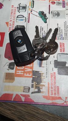 These keys were found around Ponders End in Enfield, London on the 1st of…