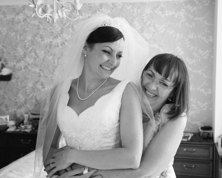 Mum And Bride Laughing Wedding Photography Black White Stephen Armishaw Photographer Hull Beverley East Yorkshire