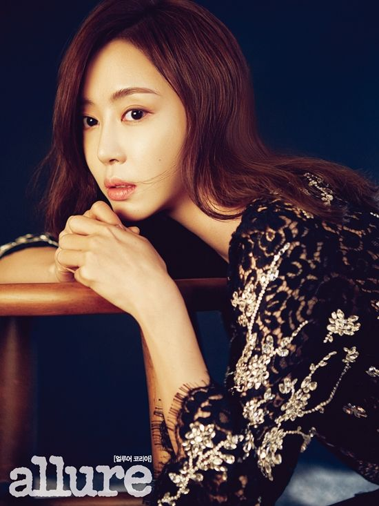 Happy birthday Kang Ye-Won! You're 37! (March 15)