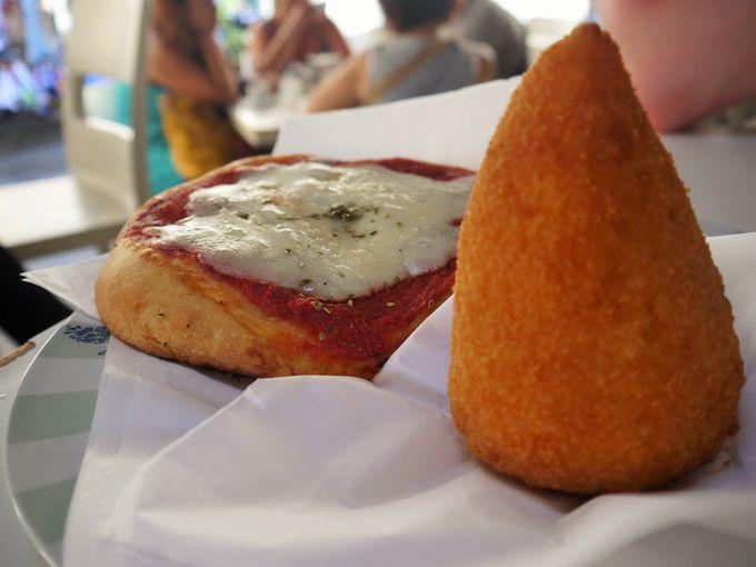イタリア南部にある島シチリア島はイタリア本土よりもさらに陽気でラフな雰囲気に満ちた本物のイタリアが味わえるエリアです地中海に浮かび温暖な気候に恵まれたシチリアは食材の色鮮やかさや凝縮された味わいも楽しめます今回はそんなシチリアの中心都市のひとつカターニアで食べるべきイタリア料理とレストランを紹介します地元の人に人気の本物のイタリアンがここにあります