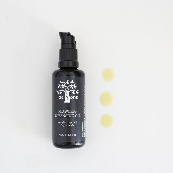 The intensely purifying formulation is blended with seven key skin loving botanical oils including one of Japan's most treasured skincare secrets; cold pressed organic Camellia oil, used for centuries by Geisha to remove makeup without drying or damaging the skin.  The unique blend also harnesses nutrient rich Watermelon seed and Hemp oil to penetrate deeply and rejuvenate tired, dull skin while naturally opening pores to deeply expel the build up of sebum, pollution, dirt and make up.