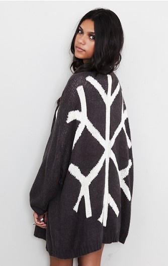 snowflake. needFashion Clothing, Fashions Clothing, Xmas Sweaters, Snowflakes Wraps, Totally Me, Snowflakes Sweaters, Snowflakes Winter