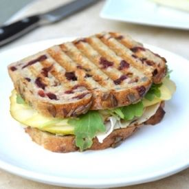 Brie, Turkey, and Pear Panini - 5 ingredients recipe OBSESSION!