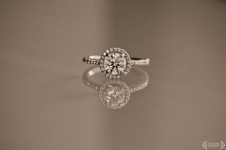 In love with this gorgeous ring! | Photo by http://butterstudios.ca  --STUNNING.