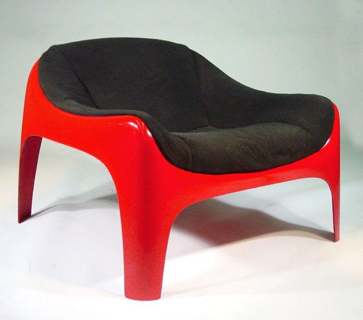 Sergio Mazza; Upholstered Fiberglass Lounge Chair for Artemide, 1960s.