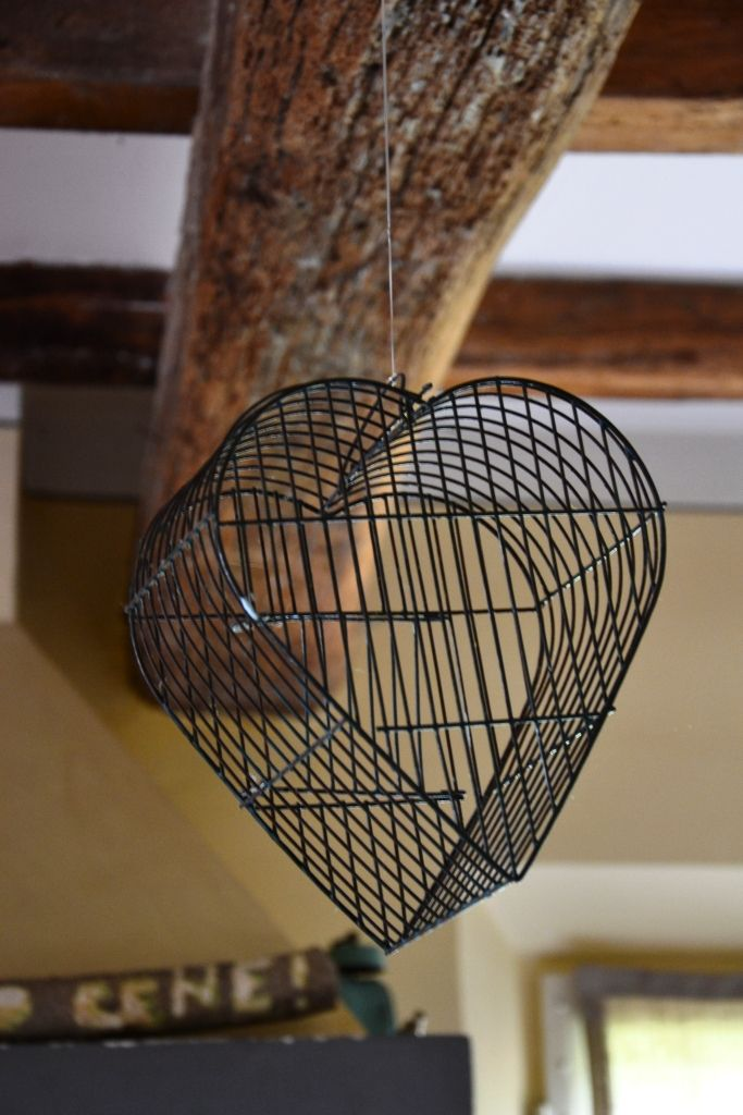 heart # bird cage # www.cabiancadellabbadessa.it # italian countriside # italian farm house #