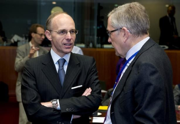 EU tells Luxembourg to stop blocking tax deal