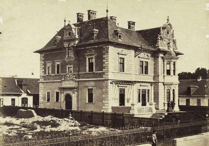 Andrássy út 126. Weninger-villa. A felvétel 1876 körül készült. A kép forrását kérjük így adja meg: Fortepan / Budapest Főváros Levéltára. Levéltári jelzet: HU.BFL.XV.19.d.1.05.063