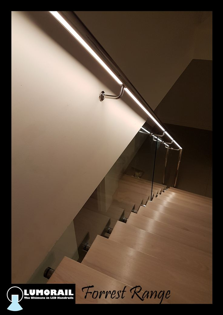 The stunning Forrest Range LED Illuminated handrail, looks fantastic on this stunning staircase in Safety Beach. Featuring our patented hollow bracket adapter system. See www.lumorail.com.au for more info.