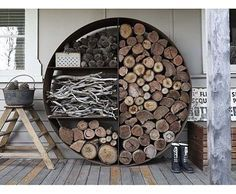 Since the cold is not leaving us this year, check out this giant round wood, charcoal, kinderling storage. Estoque de madeira, gravetos e carvao. #bbq #coal #fireplace #interiores #interiors #exterior #instarich #lareiras #instarich #wood #arquitetura #architecturestudent #architecture #designporn #designdeinteriores #interiordesign