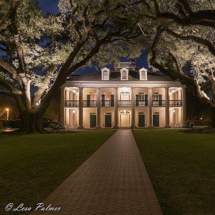 Photographer Lesa Palmer shared this standing night shot of Oak Alley plantation with us! #OakAlley #OnlyLouisiana