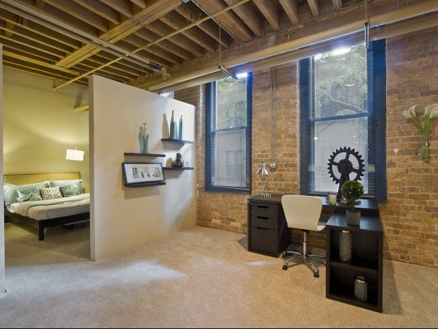 Modern Industrial Design And Luxury Apartment Living In Chicago. Cobbler  Square Loft Apartments In Old