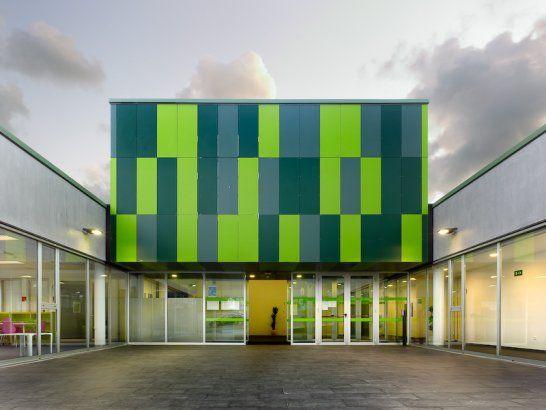 Social center in mesoiro spain by estudio de - Estudios arquitectura coruna ...