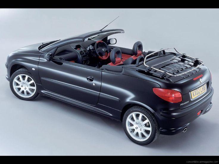 Peugeot 206 cabrio. Maar dan wel met een leren koffer op het rek achterop :)
