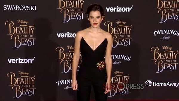 Celebridades: las noticias de Hollywood de esta semana Angelina Jolie y Brad Pitt están más cerca de lo que se cree. Además, después de los ataques de pánico Selena Gómez se mostró muy sexy y Emma W... http://sientemendoza.com/2017/03/26/celebridades-las-noticias-de-hollywood-de-esta-semana/