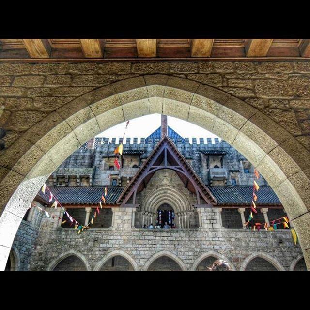 Palacio de los Duques de Braganza en Guimaraes http://bit.ly/26JxYex