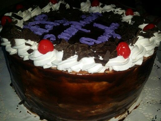 Torta 20 personas selva negra