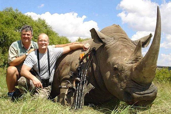 Oι Αμερικανοί θα εκδώσουν τον δολοφόνο του Σεσίλ! Σκοτωνει ολα τα ζωα αυτος ο φονιας ο αμερικανος οδοντιατρος Γουωλτερ Παλμερ!!