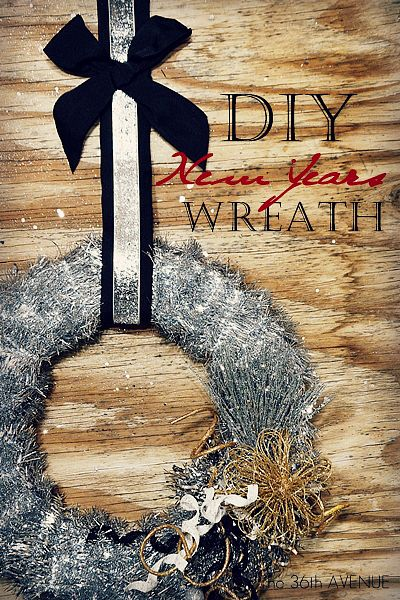 New Years Wreath. Made with tinsel... Love the sparkle!Happy Newyears, Diy Tinsel, Christmas Decorations, Years Wreaths, New Years Wreath, Eve Parties, New Years Eve, Crafts Diy, Christmas Trees