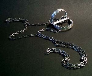 Functional Bear Trap Necklace via This Is Why I'm Broke