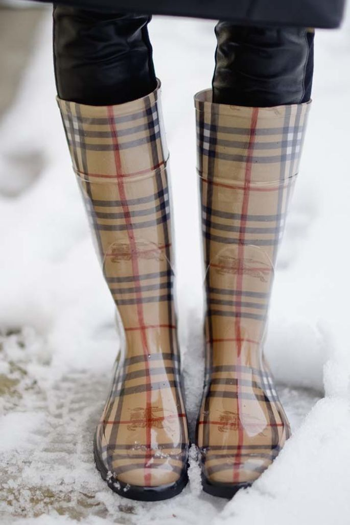 Love my Burberry rain boots now I just need my scarf