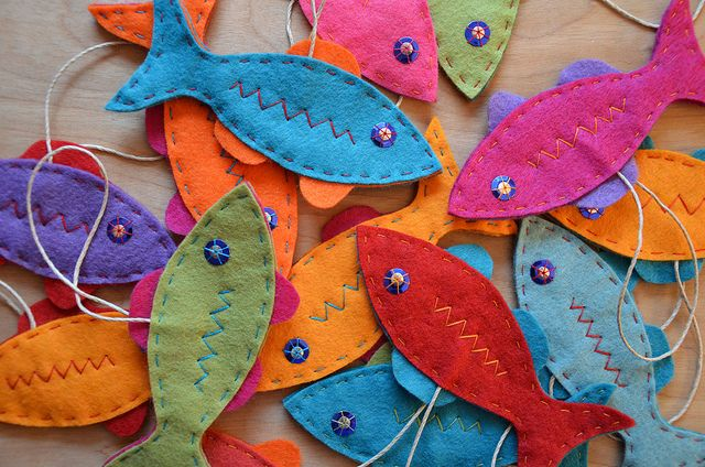 DIY felt fish ornaments by funnelcloud rachel, via Flickr